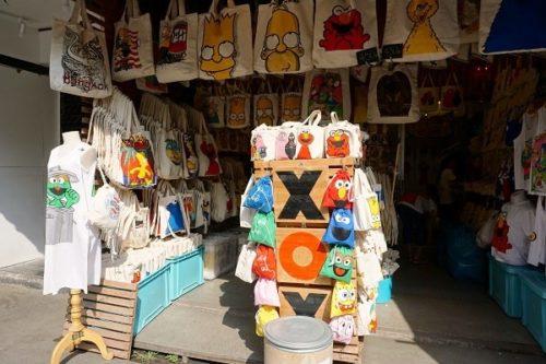 チャトチャックマーケットの風景