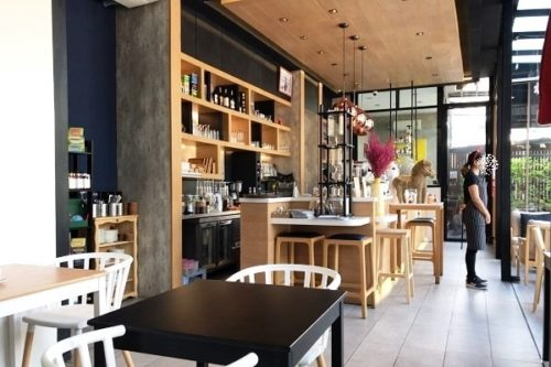 SLO CAFEの店内