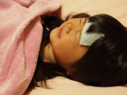 赤ちゃんが予防接種後に副反応で発熱!外出はしていい?対処方法も紹介!