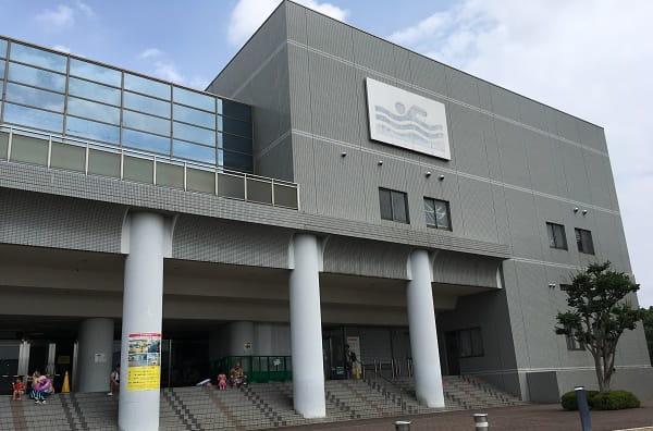 茨木市西河原市民プールへ行ってきた。混雑状況・駐車場・持ち込み可能な物などレポート!