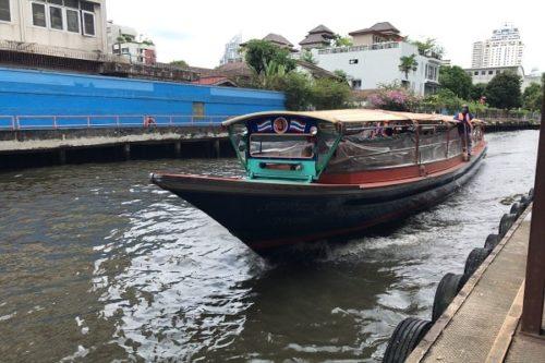 センセープ運河の船