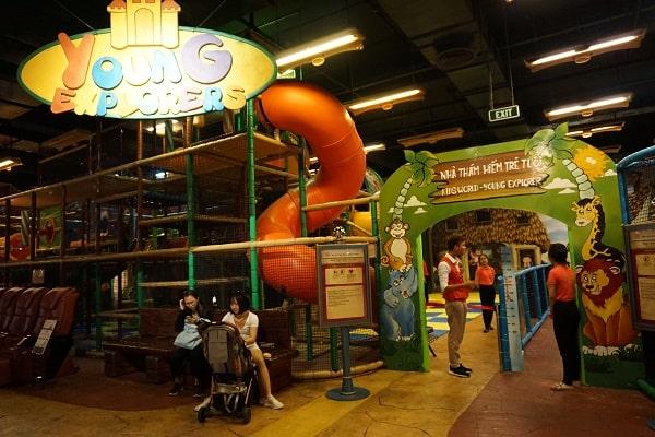 遊園地の遊び場