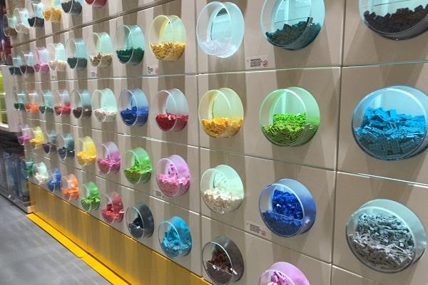 LEGOショップの店内